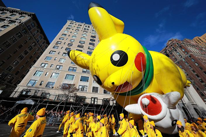 Pokémon's most electrifying ambassador makes its 19th consecutive Parade appearance. Pikachu—dressed in a cozy holiday scarf and carrying a Snowman Pikachu—is ready to embrace the chilly NYC weather on Parade morning, helping millions of fans worldwide celebrate the official start of the holiday season. (Photo: Gordon Donovan/Yahoo News)