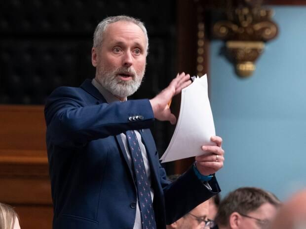 Vincent Marissal, MNA for Québec Solidaire, says reforming the ethics code for ministers would set the province back decades.