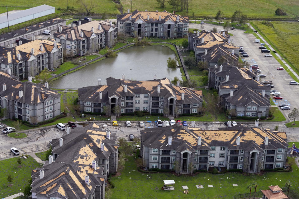 Roof damage is seen in the aftermath of Hurricane Ida, Monday, Aug. 30, 2021, in Houma, La.  (David J. Phillip/AP Photo)