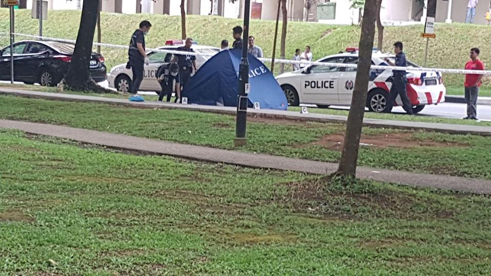 Body found at Teck Whye Crescent on 16 Aug. Photo: Safhras Khan/Yahoo News Singapore