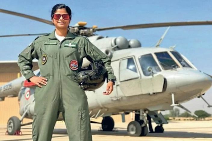 Flight Lt. Swati Rathore Becomes The First Woman To Command Flypast On R-Day Parade; Picture courtesy- The Statesman