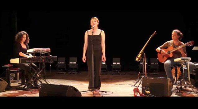 Ms Weldens was performing as part of the Léo Ferré festival. Photo Youtube