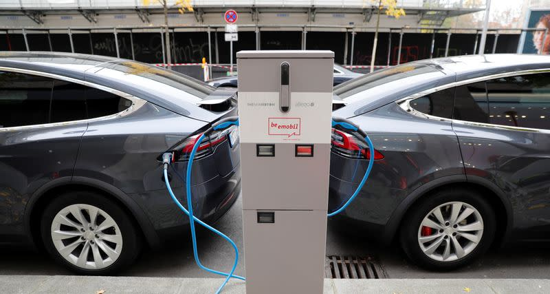 Tesla could struggle to implement some of its battery advances, experts say