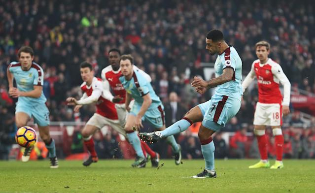 <p>Gray equalises in injury time for Burnley </p>