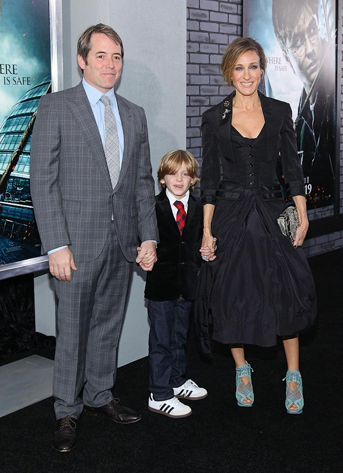 """<a href=""""http://movies.yahoo.com/movie/contributor/1800010807"""">Matthew Broderick</a> and <a href=""""http://movies.yahoo.com/movie/contributor/1800016083"""">Sarah Jessica Parker</a> attend the New York premiere of <a href=""""http://movies.yahoo.com/movie/1810004780/info"""">Harry Potter and the Deathly Hallows - Part 1</a> on November 15, 2010."""