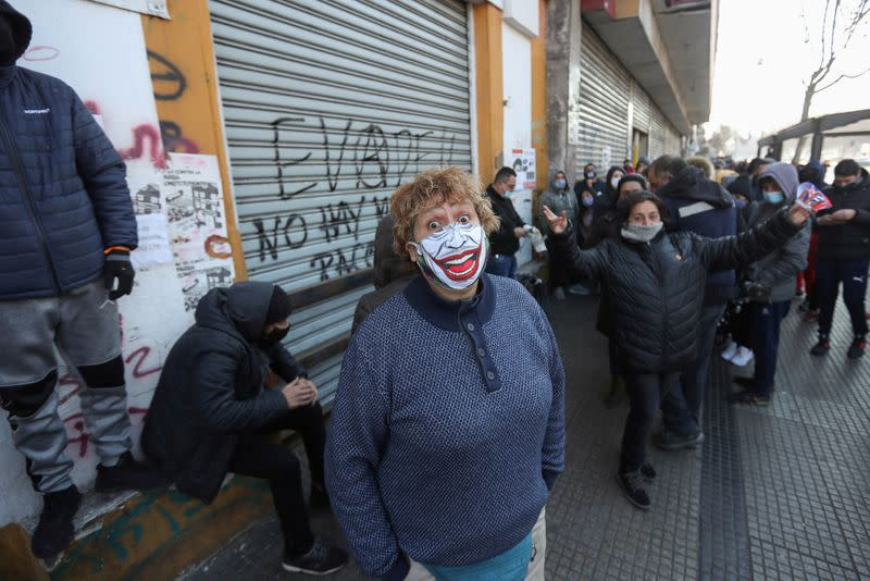 New laws herald crackdown on Chile's delinquent 'daddies of the heart'