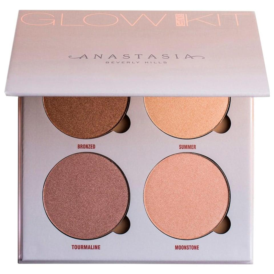 <p>Highlighting isn't going anywhere and the <span>Anastasia Beverly Hills Sun Dipped Glow Kit</span> ($40) will give you the glow of your dreams! Whether you want to bronze and warm up your face or add a bit of illuminating goodness to the high points, this palette won't dissappoint. </p>