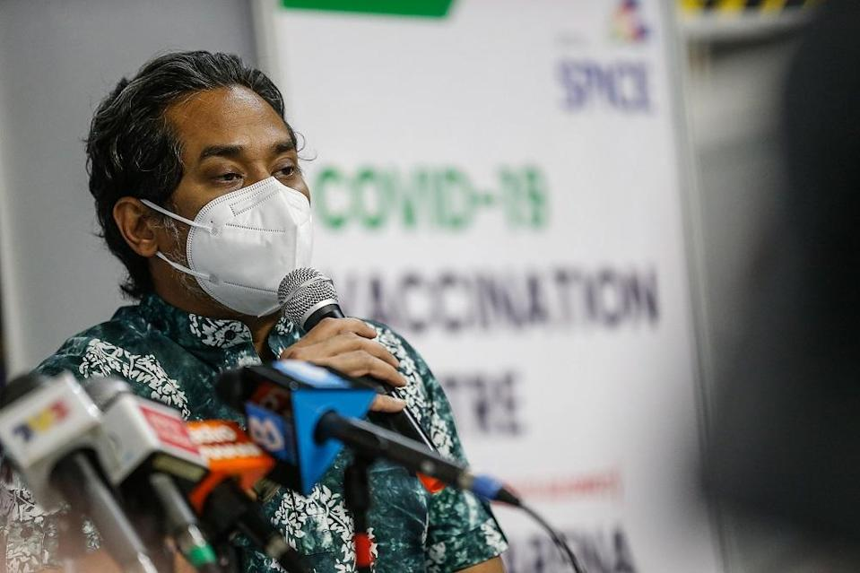 On June 17, Khairy Jamaluddin said the government is currently studying the feasibility of heterologous vaccinations, or a mixture of two different types of vaccines, to be employed as part of the NIP. ― Picture by Sayuti Zainudin