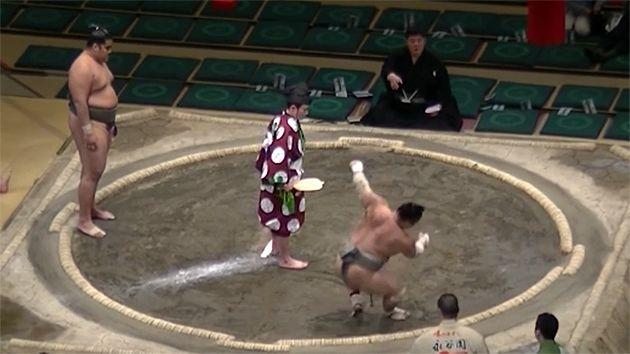 Ryutaro was unable to get back to his feet. Pic: Sumo Channel