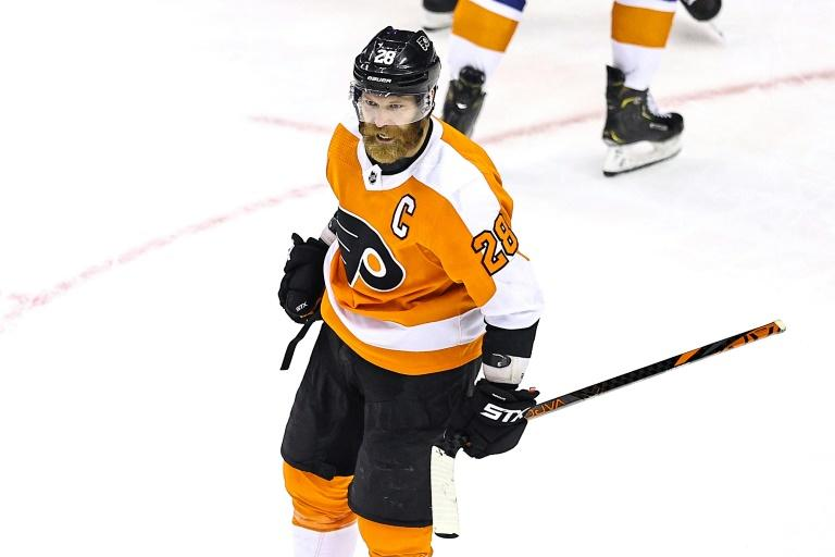 Flyers, Canucks stave off elimination in NHL playoffs