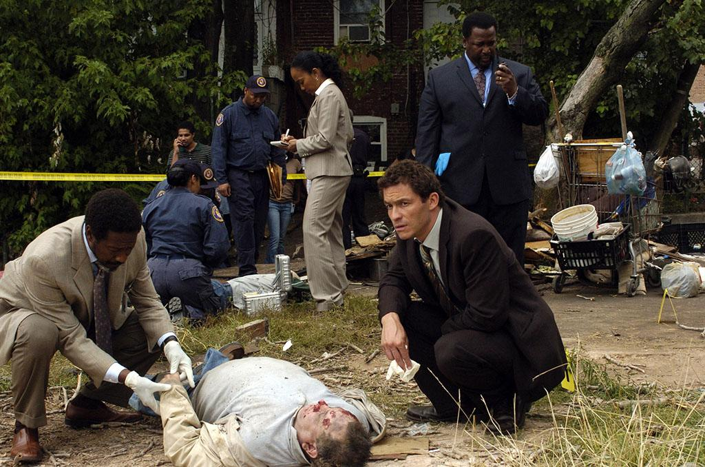THE WIRE, Clarke Peters, Sonja Sohn, Dominic West, Wendell Pierce, '-30-', (Season 5, ep. 510/Series Finale, aired March 9, 2008)