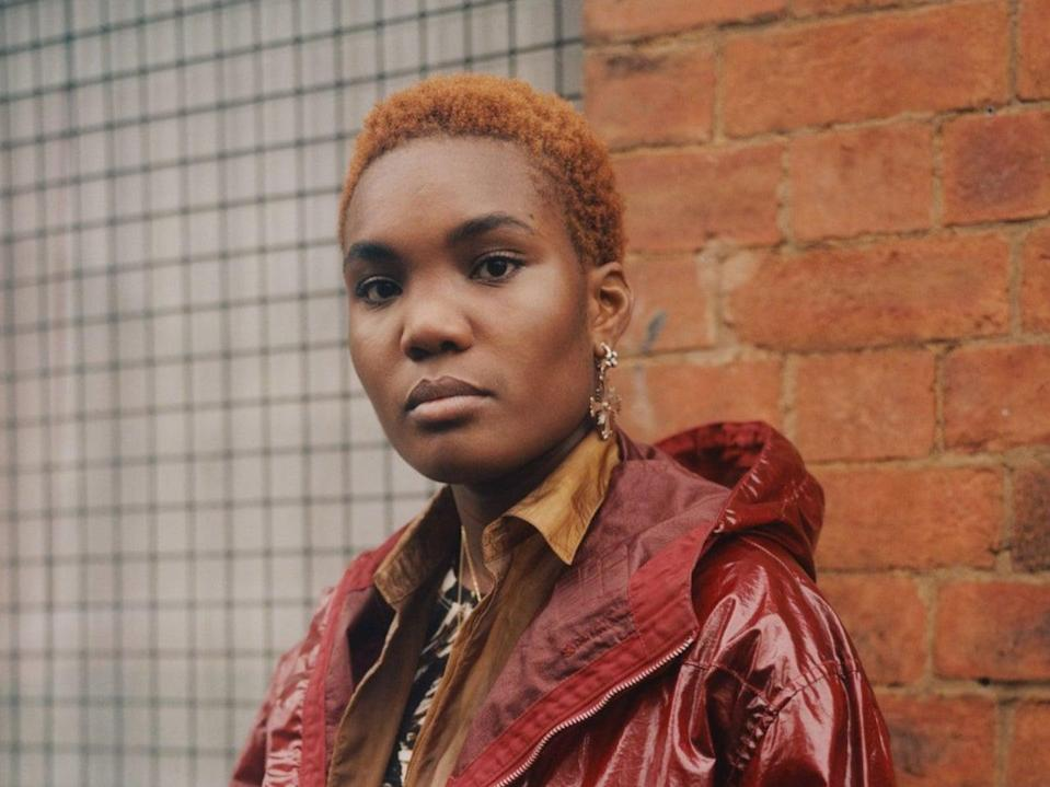 <p>The young Londoner conjures 45 minutes of mellow folk-soul grooves</p> (Alex Kurunis)