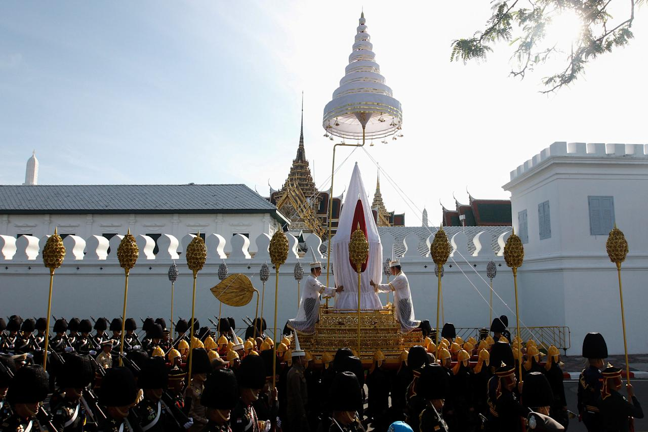 Officials take part during a funeral rehearsal for late Thailand's King Bhumibol Adulyadej near the Grand Palace in Bangkok, Thailand, October 15, 2017. REUTERS/Kerek Wongsa