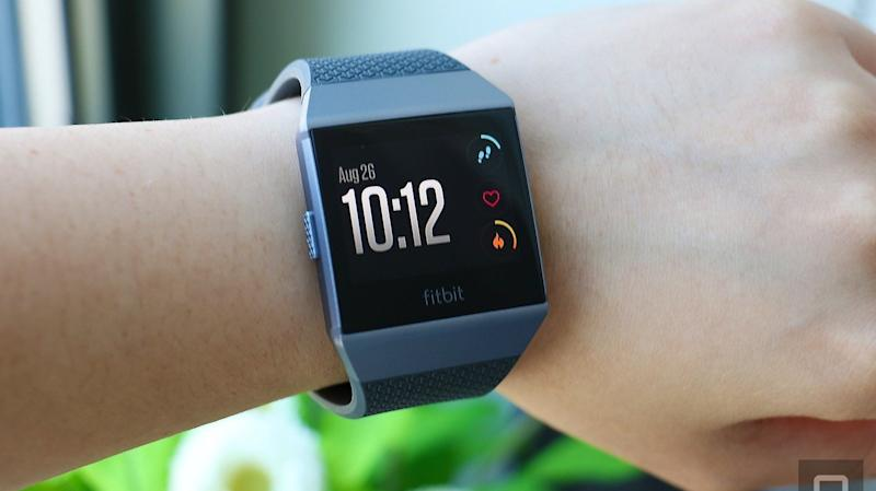 These Black Friday Deals On Fitbits Will Get You Moving
