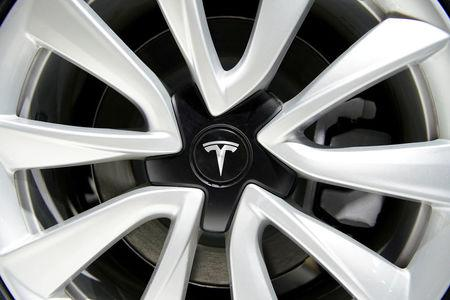 Model S fire video adds to Tesla woes pre-results