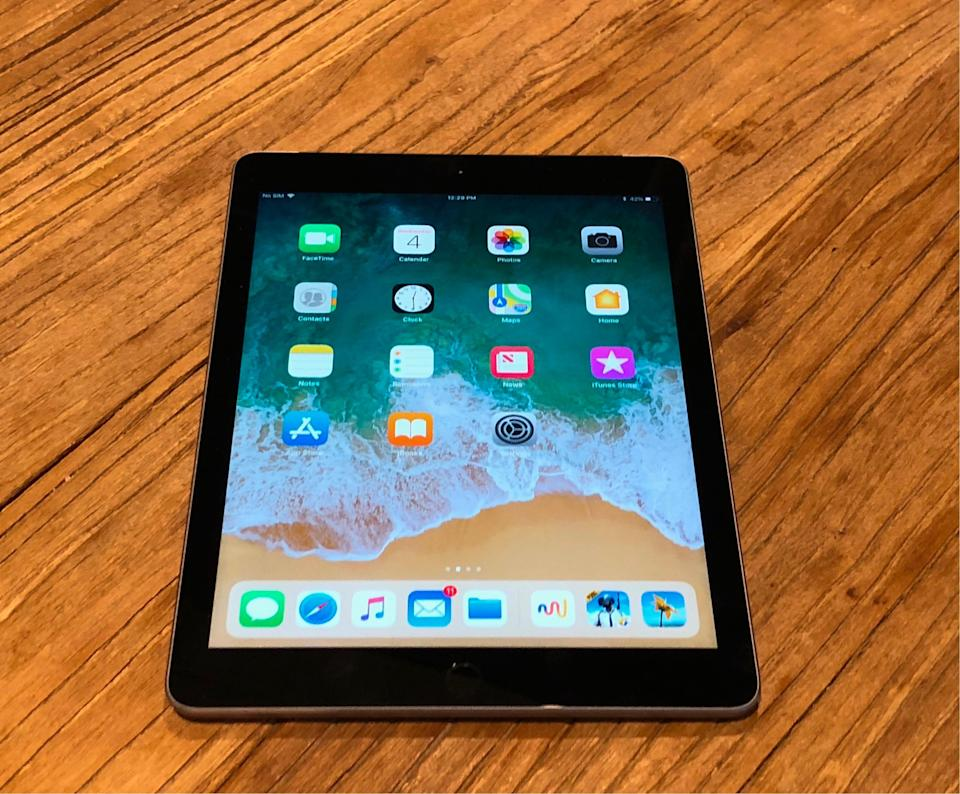 The 6th-generation iPad doesn't get the iPad Pro's upgraded display, but it still looks great.