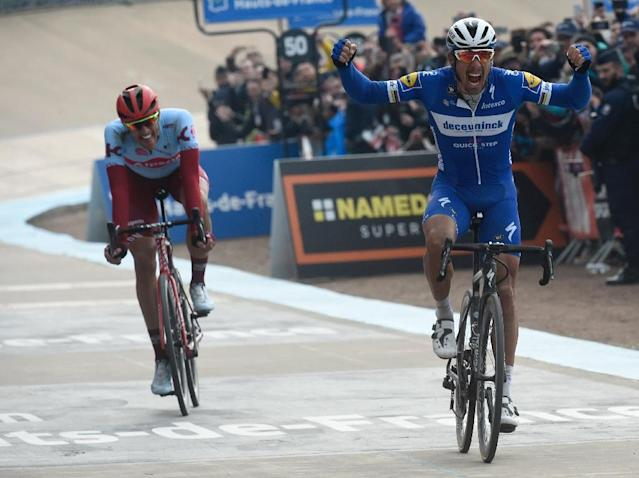 Philippe Gilbert outsprinted Nils Politt to win Paris-Roubaix (AFP Photo/FRANCOIS LO PRESTI )