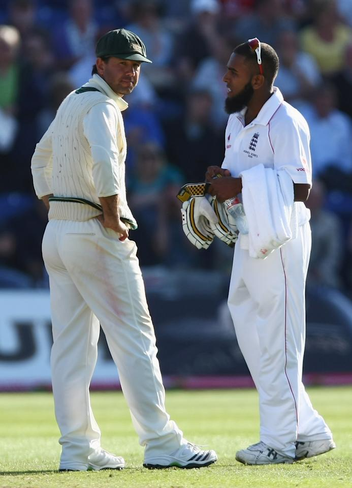 Ponting was not too pleased at England's time-wasting tactics and made his displeasure plainly evident.