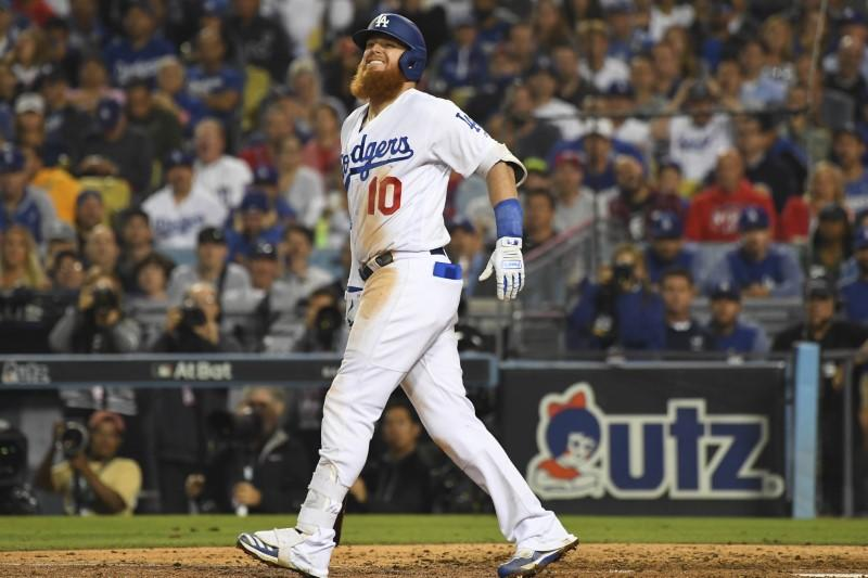 MLB notebook: Dodgers don't want 'fake banner'