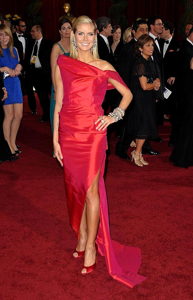 """Heart Truth spokesmodel Heidi Klum wore a crimson creation by Roland Mouret to the Oscars. John Shearer/<a href=""""http://www.wireimage.com"""" target=""""new"""">WireImage.com</a> - February 22, 2009"""