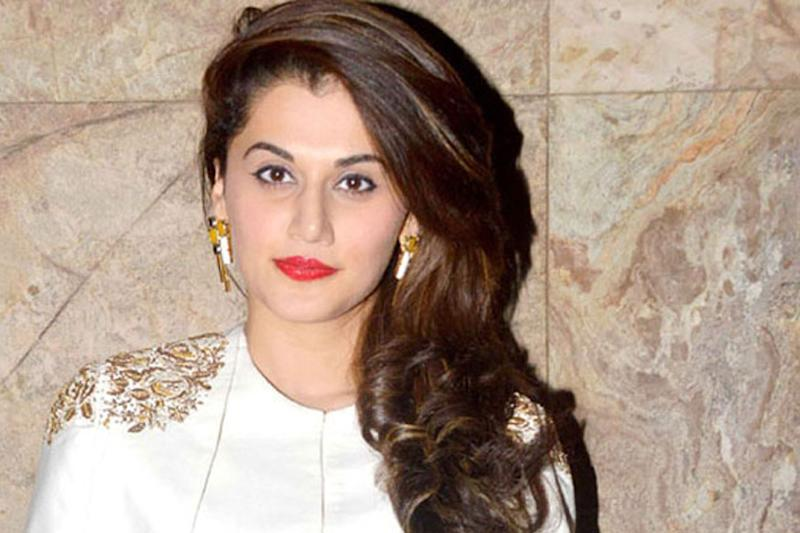 Taapsee Pannu Speaks About Her Meeting with Hrithik Roshan
