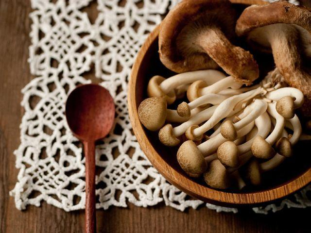 <p>Prevent mushrooms from getting slimy by wrapping them in paper towels before refrigerating.</p>