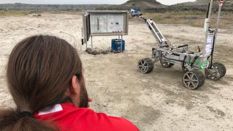 Rovers descend on southern Alberta's Mars-like badlands