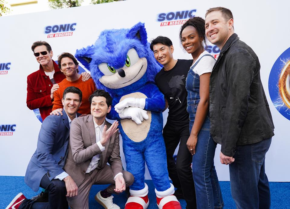 HOLLYWOOD, CALIFORNIA - JANUARY 25: (L-R) Jim Carrey, James Marsden, Jeff Fowler, Ben Schwartz, Sonic, Haruki Satomi, Tika Sumpter and Toby Ascher attend Sonic The Hedgehog Family Day Event on January 25, 2020 in Hollywood, California. (Photo by Rachel Luna/Getty Images)