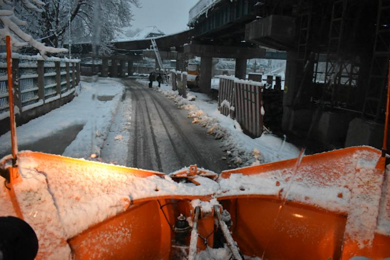 On the Road, in the Snow: A Night With Those Who Keep Kashmir Running in Freezing Winters