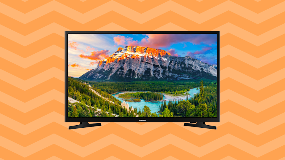 Save $130 on this Samsung 32-inch Class Full HD Smart LED TV (UN32N5300). (Photo: Walmart)