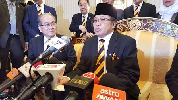 Sarawak Chief Minister Datuk Amar Abang Johari Abang Openg (right) says the trunk infrastructure will cover both rural and urban areas at RM2 billion.— Picture by Sulok Tawie