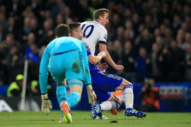 Harry Kane's 25th league goal of the 2015-16 season would earn him a first ever Premier League golden boot. He rounded Asmir Begovic to score in a 2-2 draw at Chelsea in May, 2016, but the dropped points handed Leicester the title