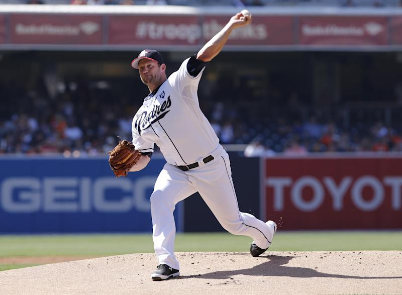Stults snaps winless streak as Padres beat Giants