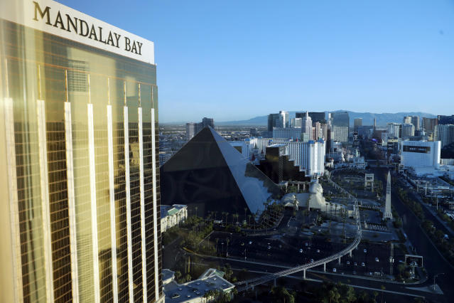 The Mandalay Bay Resort and Casino in Las Vegas, left, across the street from festival grounds, on Oct. 3, 2017. (Photo: Marcio Jose Sanchez/AP)