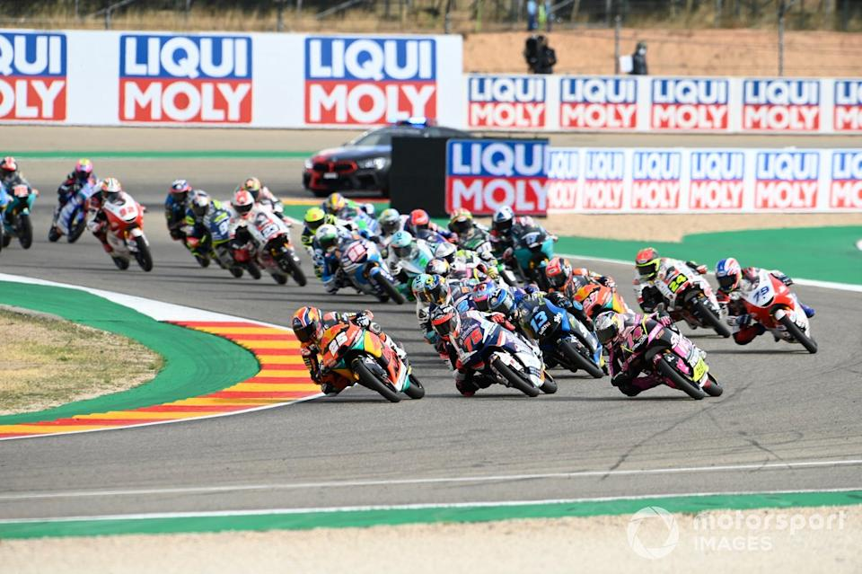 """Salida: Raul Fernandez, Red Bull KTM Ajo leads<span class=""""copyright"""">Gold and Goose / Motorsport Images</span>"""