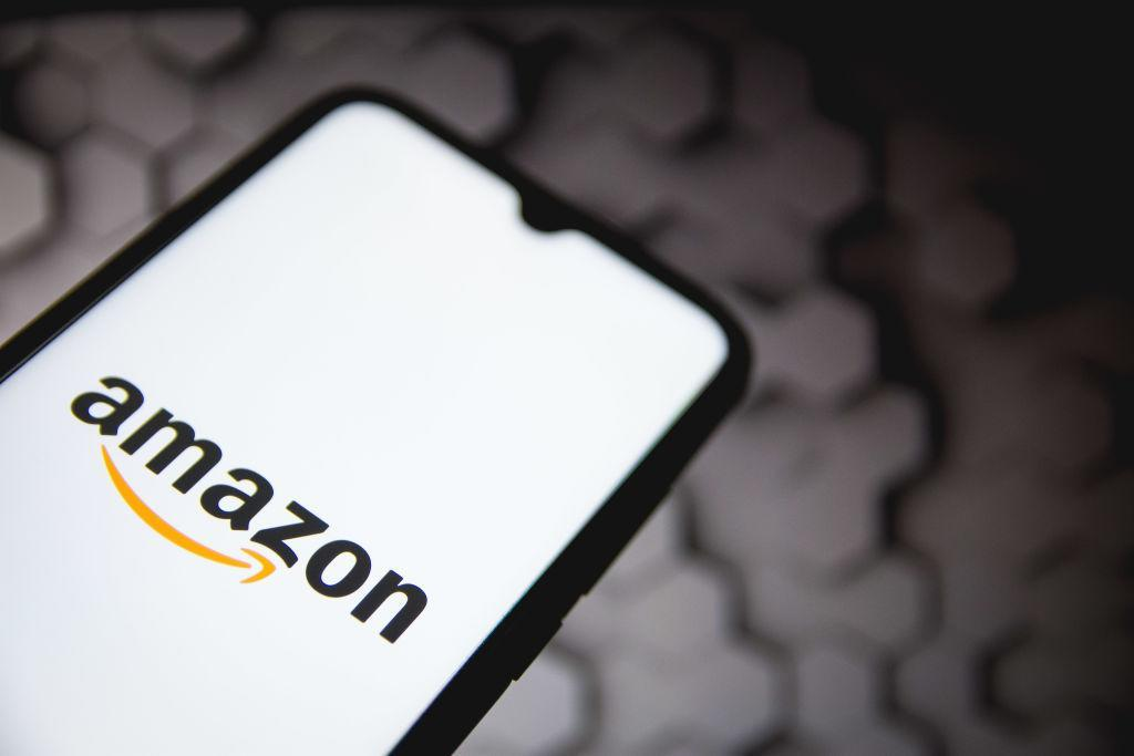We don't know for a fact that everybody's working for the weekend, but Amazon sure is -- working on a jaw-dropping array of deals. (Photo: Getty Images)