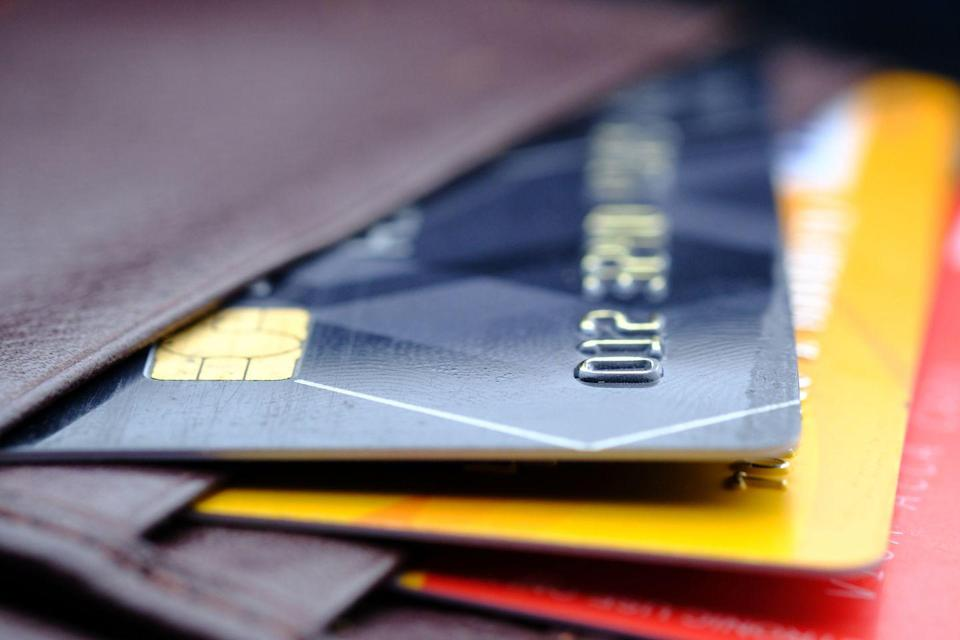 <p>Going all-cash (except for things like paying bills online) might be another way to recognize impulse shopping—and stick to a budget.</p>