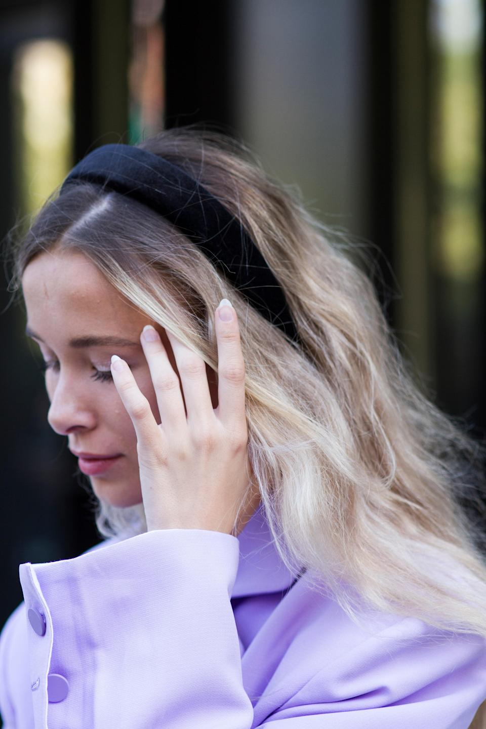 "A simple black padded headband (<a href=""https://www.amazon.com/Black-Padded-Velvet-Alice-Headband/dp/B01HGF8Q66"" rel=""nofollow noopener"" target=""_blank"" data-ylk=""slk:like this one from Amazon"" class=""link rapid-noclick-resp"">like this one from Amazon</a>) instantly elevates any outfit."