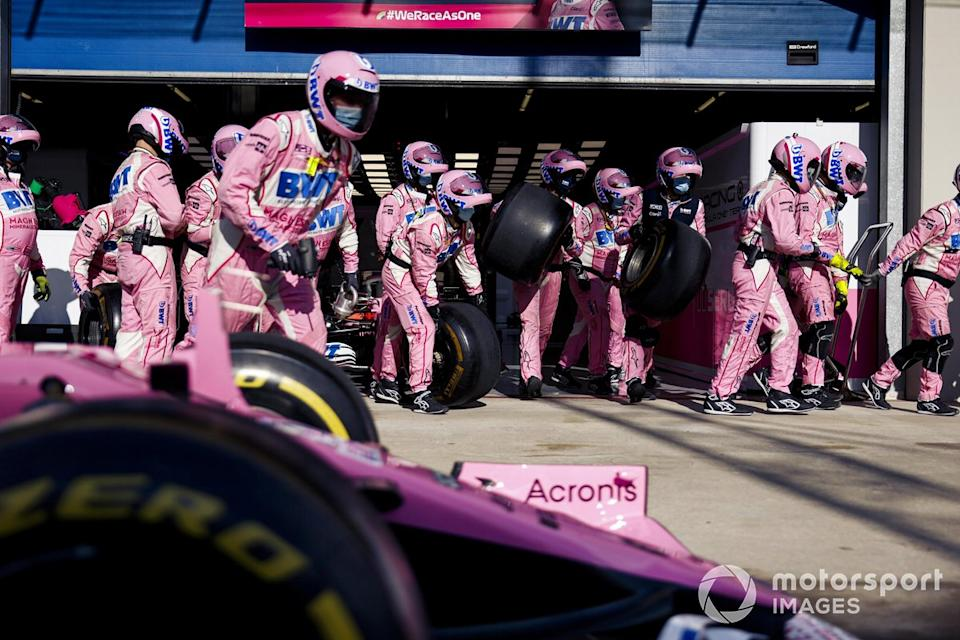 "Pit stop del Racing Point RP20 <span class=""copyright"">Glenn Dunbar / Motorsport Images</span>"
