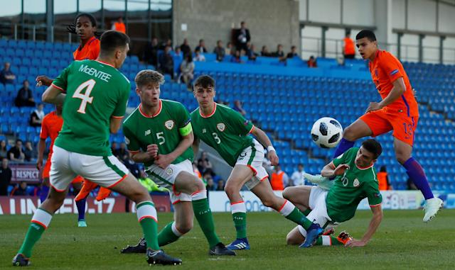 Soccer Football - UEFA European Under-17 Championship Quarter-Final - Netherlands vs Republic of Ireland - Proact Stadium, Chesterfield, Britain - May 14, 2018 Netherland's Elias Sierra shoots at goal Action Images via Reuters/Jason Cairnduff