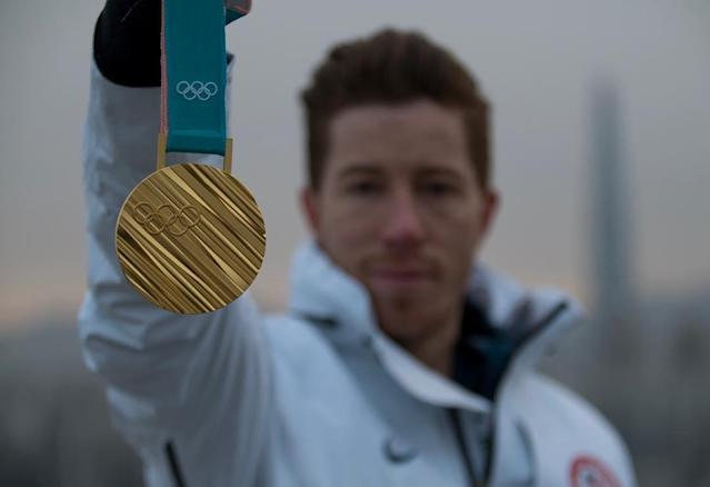 <p>shaunwhite: Thank you Korea for the most amazing experience! Can't wait to see everyone at home… It's time to celebrate #Olympics #Seoul #Gold Photo: @tobymiller (Photo via Instagram/shaunwhite) </p>