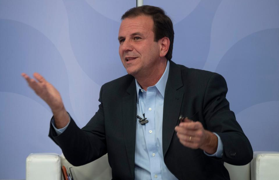 The candidate for Governor of Rio de Janeiro for the Democratic Party (DEM), former Rio de Janeiro Mayor Eduardo Paes, speaks during a televised debate in Rio de Janeiro, Brazil on September 19, 2018. (Photo by Mauro Pimentel / AFP)        (Photo credit should read MAURO PIMENTEL/AFP/Getty Images)