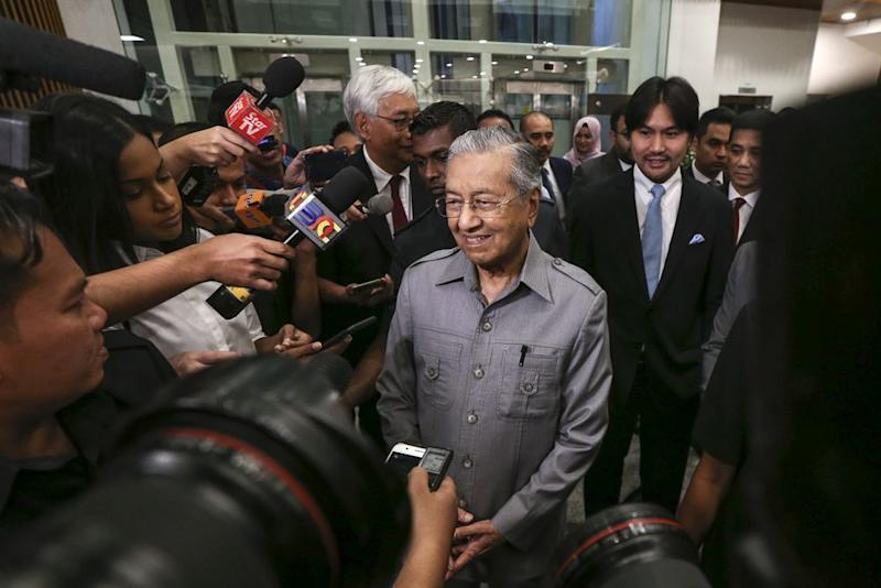 Mahathir said there is a need to 'remove more people' who were sabotaging the government, adding that such matters took time and were an obstacle to the PH administration's reform agenda. — Picture by Azneal Ishak