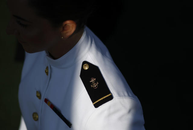 <p>A graduating U.S. Naval Academy midshipman processes into the Academy's graduation and commissioning ceremony, Friday, May 25, 2018, in Annapolis, Md. (Photo: Patrick Semansky/AP) </p>