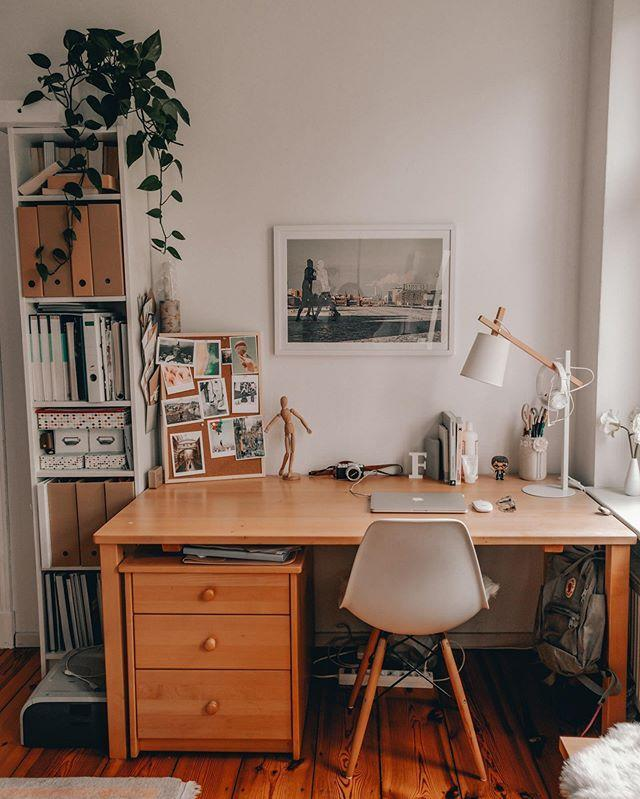 Easy Ways To Organize Your Desk While You Work From Home