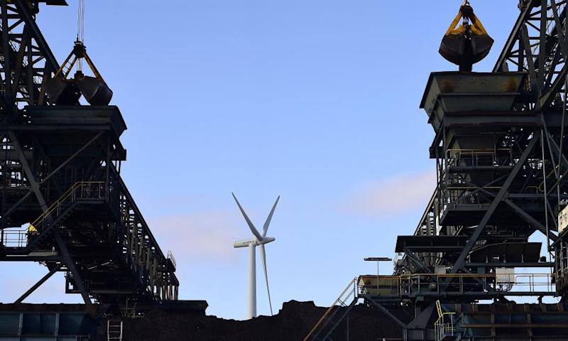 Coal is being unloaded, Haemelerwald power plant, Germany