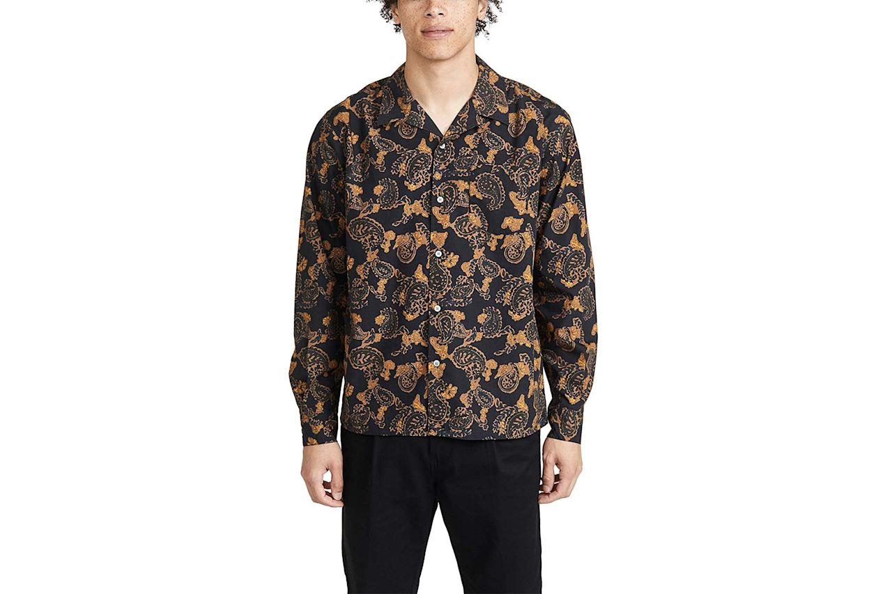 "$260, Amazon. <a href=""https://www.amazon.com/Norse-Projects-Carsten-Paisley-Shirt/dp/B07WXKJW61/ref=sr_1_108?pf_rd_i=7147441011&pf_rd_m=ATVPDKIKX0DER&pf_rd_p=ce68e72d-adde-46b0-b237-69922193e3d5&pf_rd_r=V1F77GEY91Q2PNZWNAXS&pf_rd_s=merchandised-search-2&qid=1567823409&rnid=7141124011&s=apparel&sr=1-108"">Get it now!</a>"