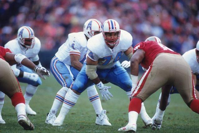 Bruce Matthews (74) played 19 seasons for the Oilers/Titans franchise. (AP)