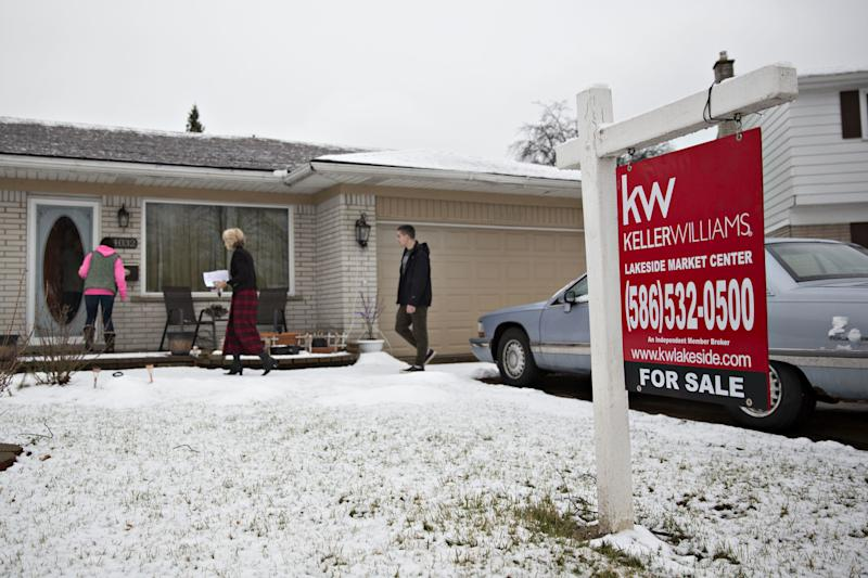 Mortgage rates drop to 2-month low—an unexpected holiday gift to housing
