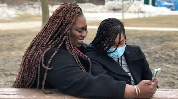 Jaeda Larkin, left, and her daughter Amerie Alvis. Amerie has chosen to do online schooling until she is able to get vaccinated, in order to minimize the risk of contracting COVID-19.